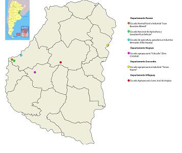 Figura 1. Mapa actual de la provincia de Entre  Ríos con la ubicación de las escuelas agropecuarias. En 1904 el territorio  estaba organizado en 14 departamentos